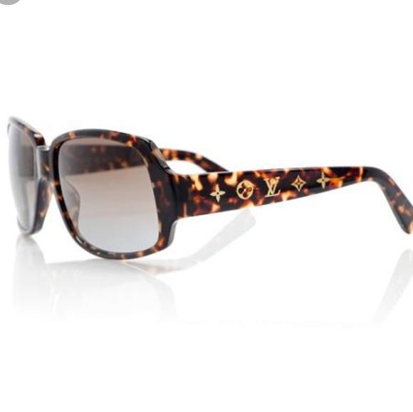 2712d695ca5 Louis Vuitton Accessories - Louis Vuitton Obsession Carre landscape  sunglasses